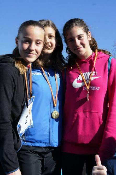 Indidual Medal Winners Infantil Feminino - 1st Lidya Mohedano (Class 2D), 2nd Maria Picazo (Class 1B), 3rd Esther Arroyo (Class 2B)